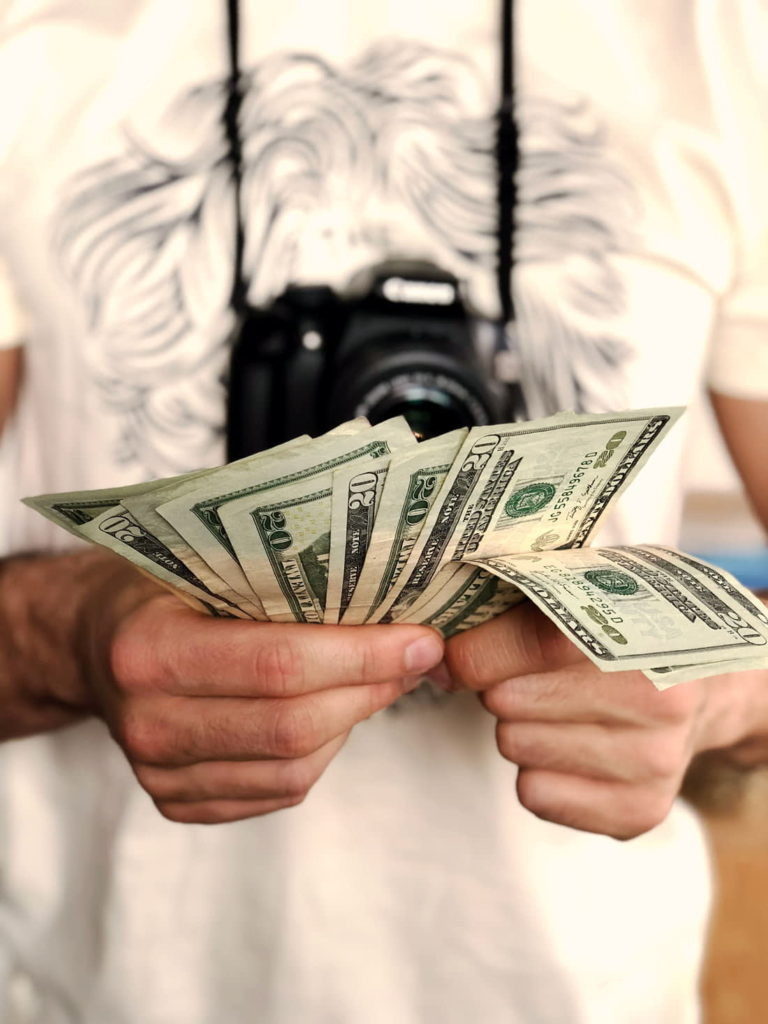 earn money with photography be a phototaker with pelooc